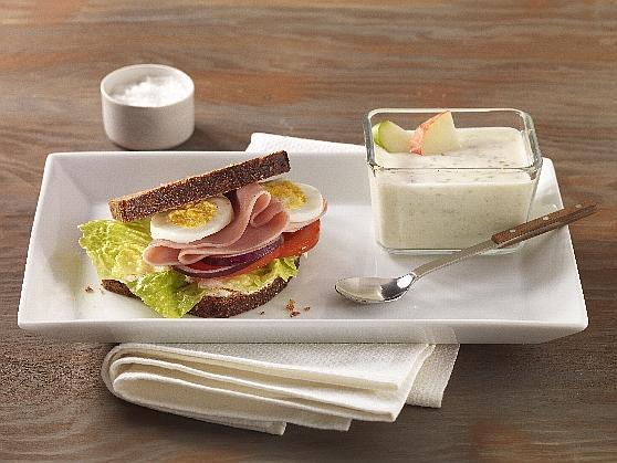 """Vollkornsandwich mit gekochtem Schinken und """"Guten Morgen"""" - Joghurt - BCM Diät Rezepte.de"""