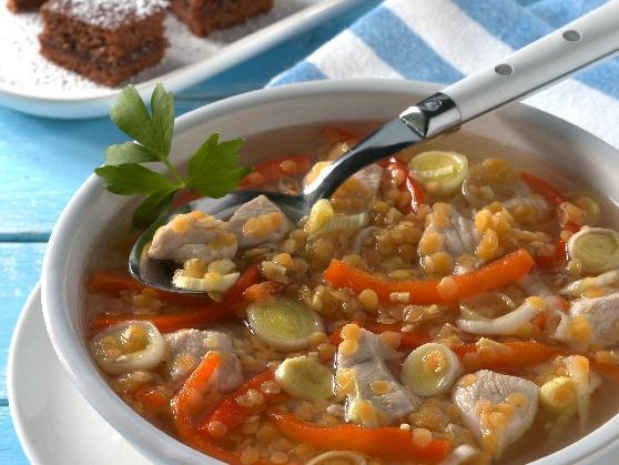 Geflügelsuppe mit roten Linsen und Honigkuchenschnitten - BCM Diät Rezepte.de