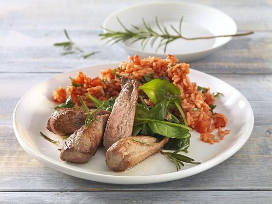 Lammfilet auf jungem Spinat mit Tomaten-Basilikumreis - BCM Diät Rezepte.de