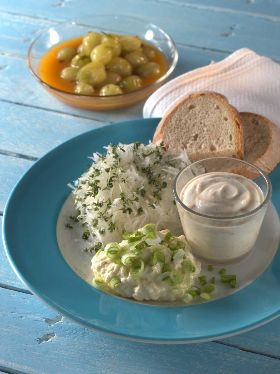 Brotzeit mit Obatzter, Spundekäs und Rettichsalat - BCM Diät Rezepte.de