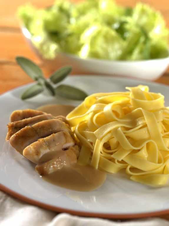 Kaninchen in Senfsauce an Bandnudeln - BCM Diät Rezepte.de