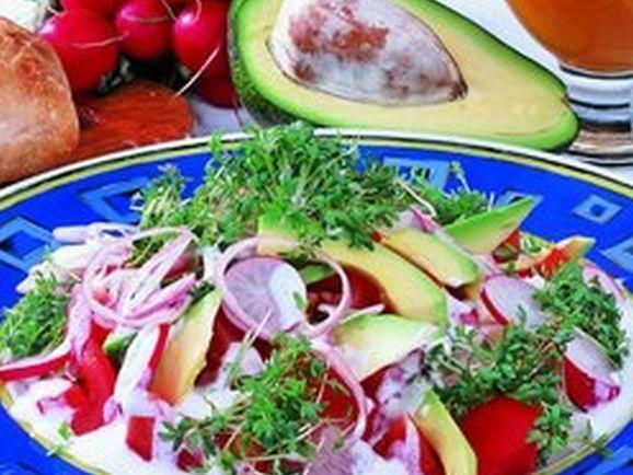 Kresse-Tomatensalat mit Avocado - BCM Diät Rezepte.de
