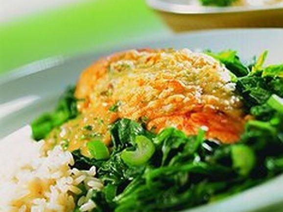Überbackene Hähnchenbrust auf Spinatbett - BCM Diät Rezepte.de