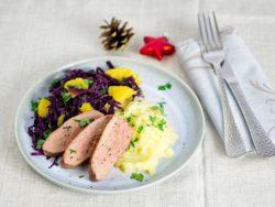 Entenbrust mit Orangen-Rotkohl und Sellerie-Kartoffel-Püree